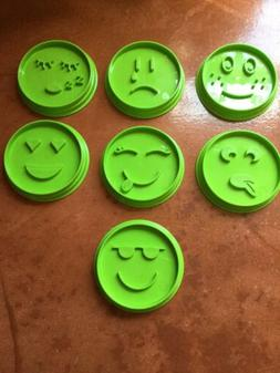A Pampered Chef Baking Set of 7 Emoji Cookie Cutters 1443 Gr