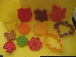 Hallmark Autumn Plastic Cookie Cutters/Shapers Leaves Butter