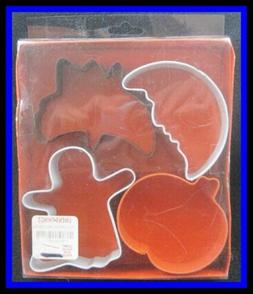 NEW Wilton SPOOKY SHAPES 4 pc Cookie Cutters